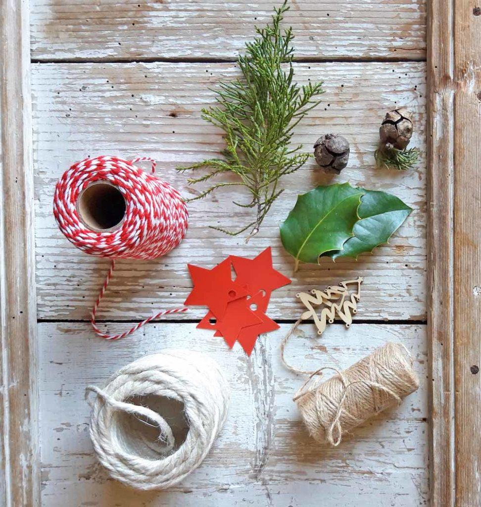 decorazioni ecologiche per i pacchi di Natale